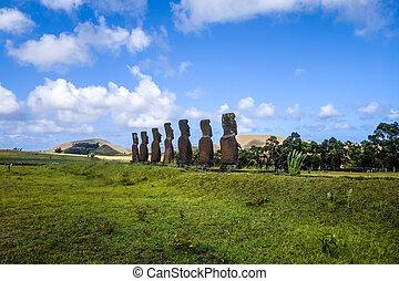 Moais statues, ahu Akivi, easter island, Chile