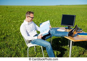 mobiel bureau, werkende , man
