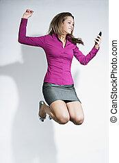 mobil, affärskvinna, hoppning, ringa, räcker