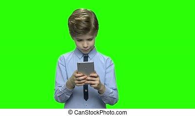 mobile, enthusiastically, téléphone., portrait, jeux, jouer, gosse