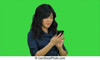 mobile, femme affaires, chroma, écran, téléphone, clef verte, utilisation
