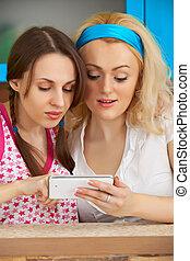 mobile, images, regarder, filles, téléphone