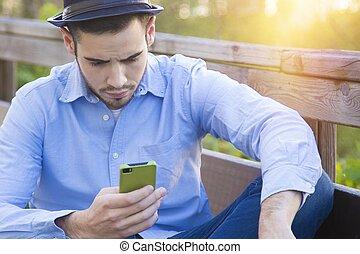 mobile, jeune, téléphone, hipster, désinvolte, homme