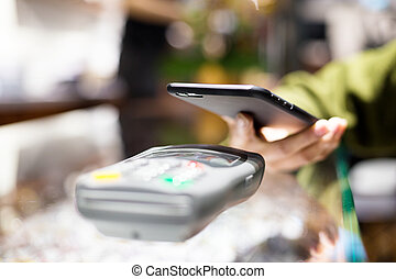 Mobile payment in optical shop with NFC
