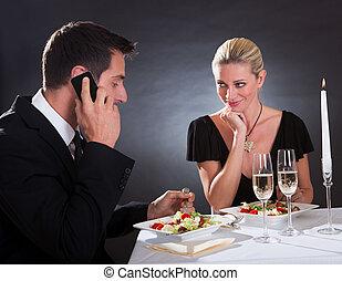 mobile, presa, cena, chiamata, durante, uomo