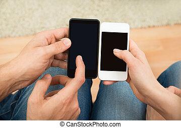 mobile telefon, két, birtok, emberek