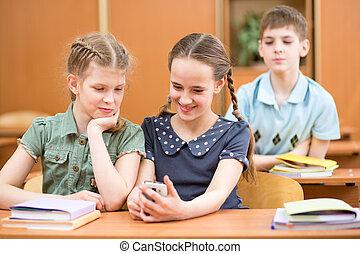 mobile, usando, bambini scuola, telefono