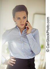 mobile, utilisation, cadre, femme, téléphone