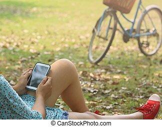 mobile, utilisation, femme, intelligent, téléphone