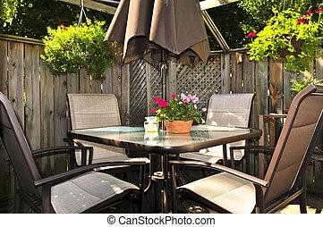mobilia, patio, ponte