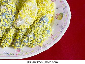 mock bean pods, mung bean rice-crepe Thai sweetmeat foods