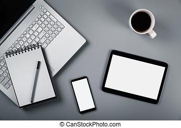 mockup, hos, laptop, telefon, og, digital tablet, på, gråne, baggrund., top udsigt