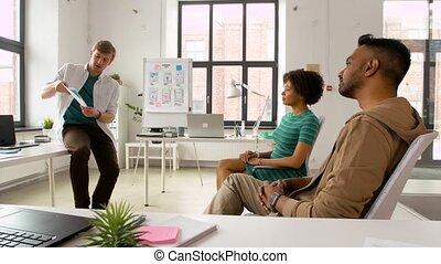 mockup, projection, créatif, utilisateur, équipe, interface, homme