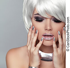 moda, biondo, girl., bellezza, ritratto, woman., bianco, corto, hair., isolato, su, grigio, fondo., faccia, close-up., manicured, nails., hairstyle., fringe., voga, style.