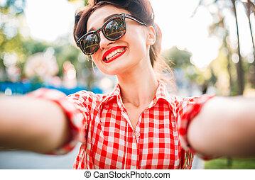 moda, colpo, selfie, anni cinquanta, fuori, ragazza, pinup
