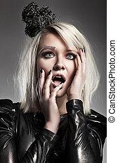 moda, estilo, retrato, de, un, espantado, dama joven