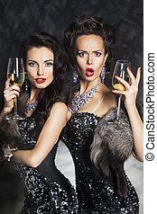 moda, feliz, nightclub., christmas!, bebendo, champanhe, mulheres