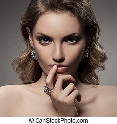 moda, retrato, de, hermoso, lujo, mujer, con, joyas