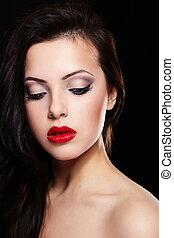 moda, retrato, de, hermoso, morena, niña, modelo, con, birght, maquillaje, rojo, lips., limpio, skin., aislado, en, negro