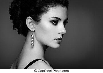 moda, retrato, de, jovem, mulher bonita, com, jóia