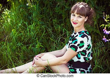 moda, retrato, de, jovem, sensual, mulher, em, jardim