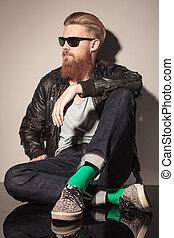 moda, sentando, longo, barba, vermelho, homem
