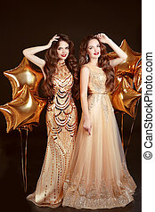 moda, vestido, dos mujeres