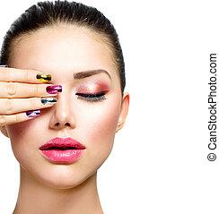 mode, beauty., femme, à, coloré, clous, et, luxe, maquillage
