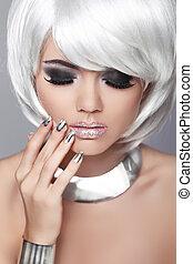 mode, blond, female., schoenheit, porträt, woman., weißes, kurz, hair., manicured, nails., schwarz weiß, photo., fringe., mode, stil