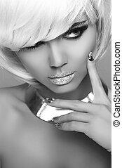 mode, blond, girl., schoenheit, porträt, woman., weißes, kurz, hair., freigestellt, auf, grau, hintergrund., gesicht, close-up., schwarz weiß, photo., hairstyle., fringe., mode, style.