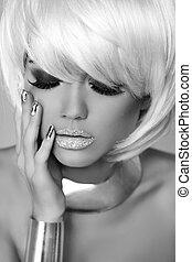 mode, blond, girl., skönhet, stående, woman., vit, kort, hair., manikyrera, nails., svartvitt, photo., fringe., mod, stil