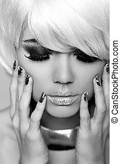 mode, blonds, girl., beauté, portrait, woman., blanc, court, hair., manucuré, nails., noir blanc, photo., fringe., vogue, style.