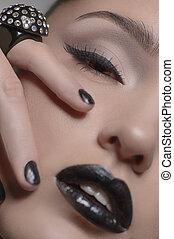 mode, en, beauty., close-up, van, mooie vrouwen, wat betreft gezicht, met, haar, vingers