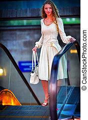 mode, femme, dans, automne, printemps, robe, achats, sur,...