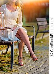 mode, femme, dans, automne, printemps, robe, sur, ville,...