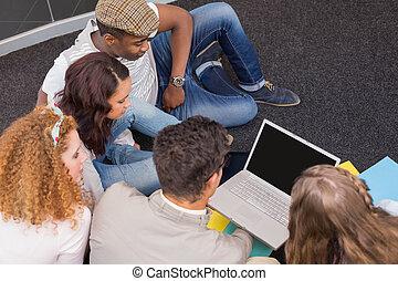 mode, fonctionnement, étudiants, équipe