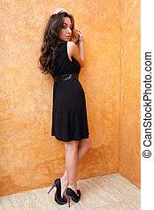 mode, foto, av, a, ung, vacker, dam, in, klänning, med, trevlig, skor
