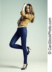 mode, foto, van, jonge, sensueel, vrouw, in, jeans