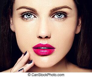 mode højeste, look.glamor, closeup, skønhed, portræt, i, smukke, kaukasisk, ung kvinde, model, hos, nude, makeup, hos, perfekt, rense, hud, hos, farverig, lyserød læbe