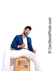 mode, lunettes soleil, business, séance, suit's, tenue, collier, homme