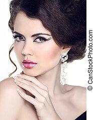 mode, skönhet, kvinna, portrait., manikyr, och, make-up., hairstyle., smycken