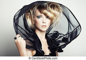 mode, stående, av, ung, vacker kvinna