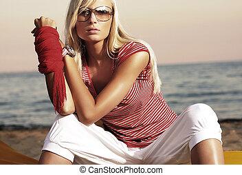 mode, stil, foto, av, en, attraktiv, kvinna, in, solglasögon
