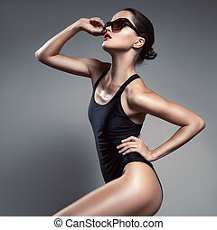 mode, woman., bikini, en, sunglasses.