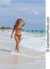 model, mooi, het genieten van, spaanse , strand, dag