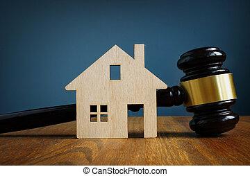 model van huis, en, gavel., vastgoed, wet, concept.