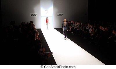 model, wandeling, op, podium, op, russische , mode, week