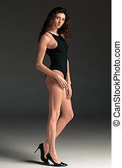modell, hintergrund., swimsuit., graue , junger, schwarz, studio, portrait., kugel, frau, schöne , mode