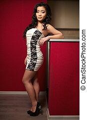 modello, brunetta, bianco, sexy, proposta, vestire, donna, rosso, bello, cinese, interno, parete