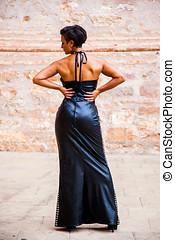 modelo, hembra, moda, posturas, espalda, con, un, largo,...
